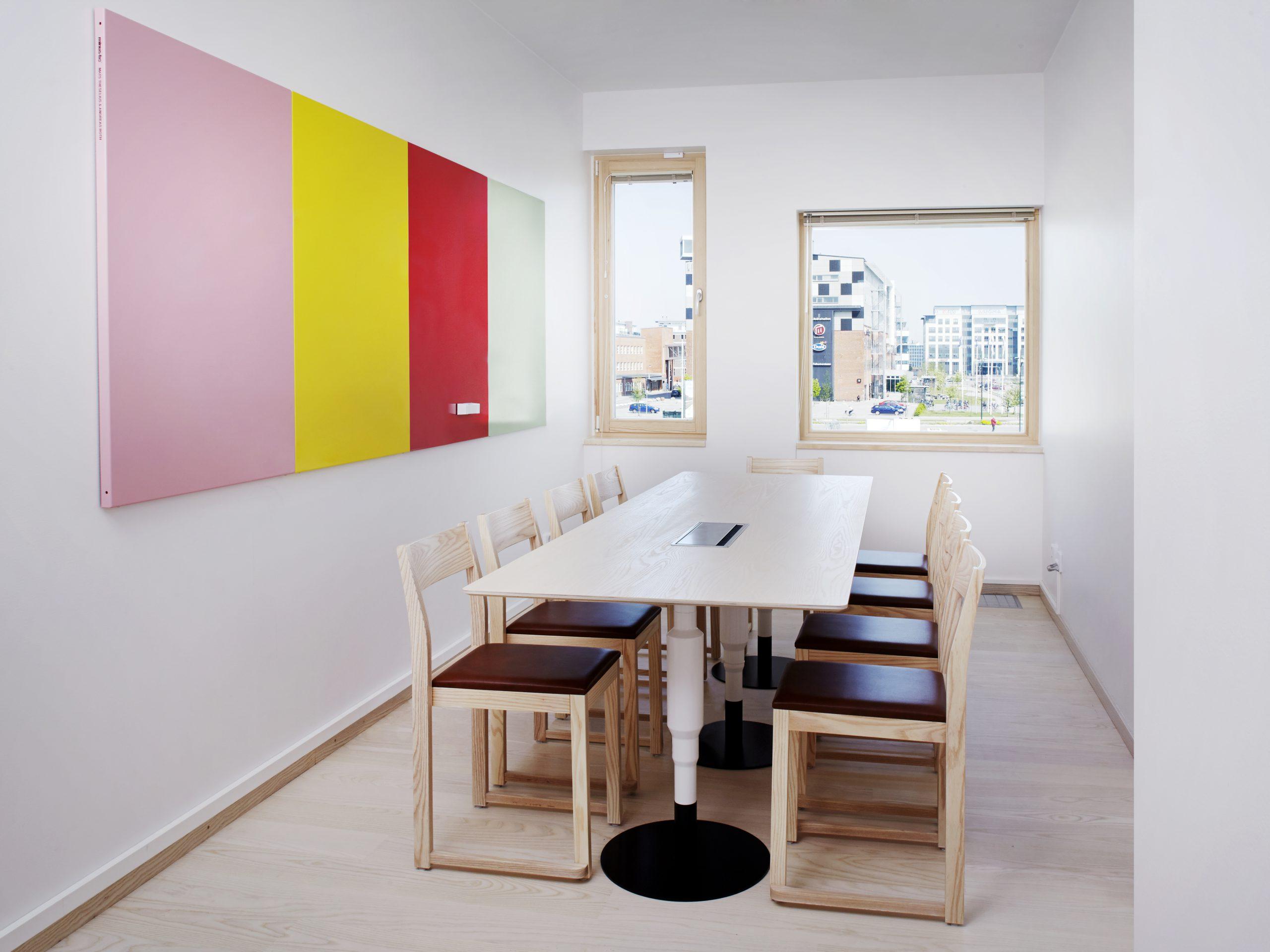 https://www.minustio.se/wp-content/uploads/2021/03/Minus-tio-Cosmos-X-table-Slim-One-chairs-Eon-1600x900.jpg