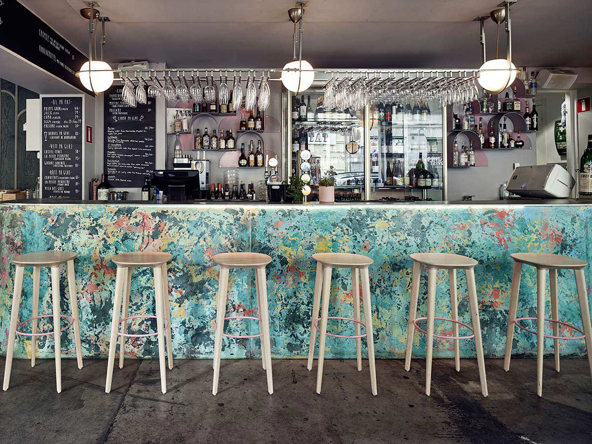 https://www.minustio.se/wp-content/uploads/2021/04/Minus-tio-Audrey-clear-lacquered-wood-bar-stools-at-restaurant-PomPom-1-1200x900-1.jpeg